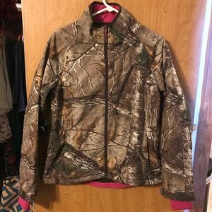 Ladies Realtree Jacket EUC Large
